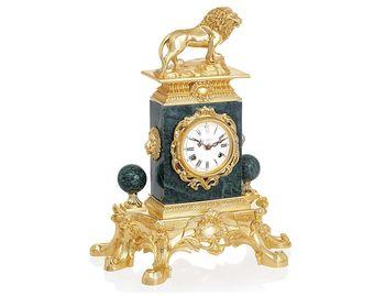Настольные часы Властный лев