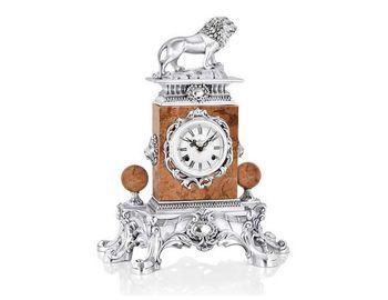 Настольные часы Возвышающейся лев